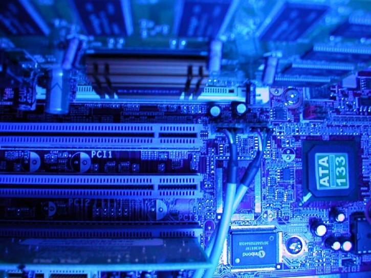 computer-repairs-motherboard